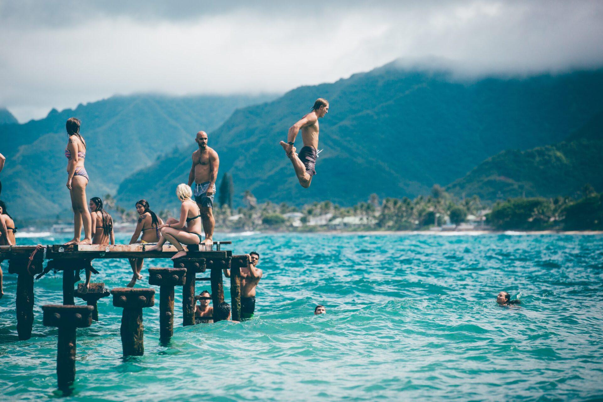 swimming alpago